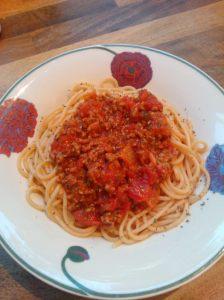 Spagettia ja pizzakastiketta