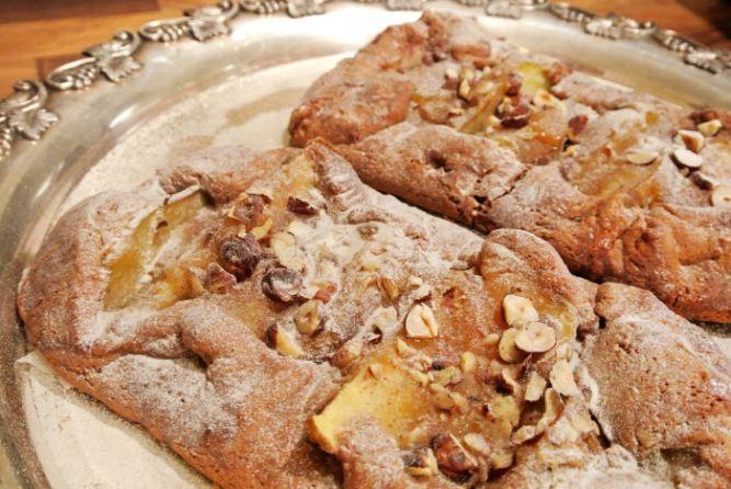 Pähkinäinen päärynäpiparipiiras