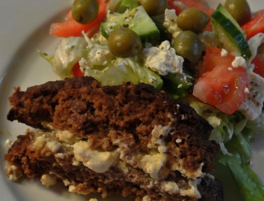 Lihamureke kreikkalainen salaatti