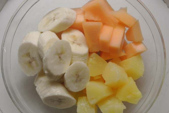 Banaani_ananas_cantaloupe