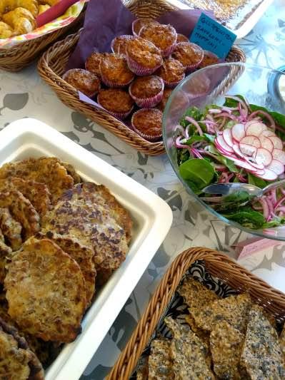 Gluteenittomat muffinit ja härkäpapupihvit ja siemennäkkäri