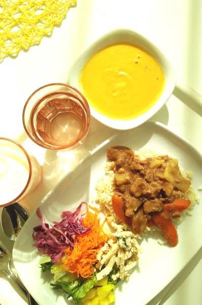 tandoorilammasta ja porkkanakeittoa